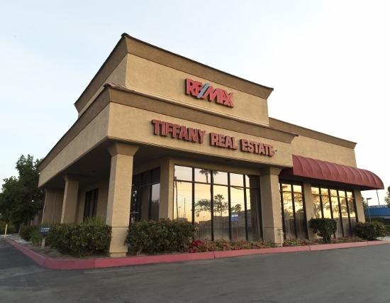 RE/MAX Tiffany Real Estate