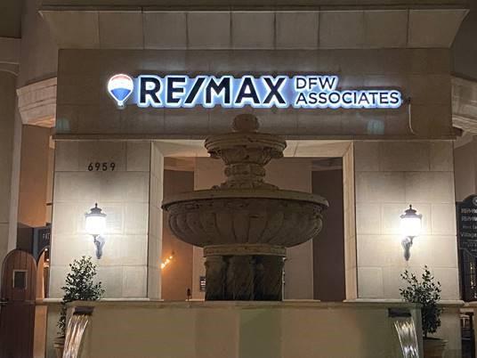 RE/MAX DFW Associates V