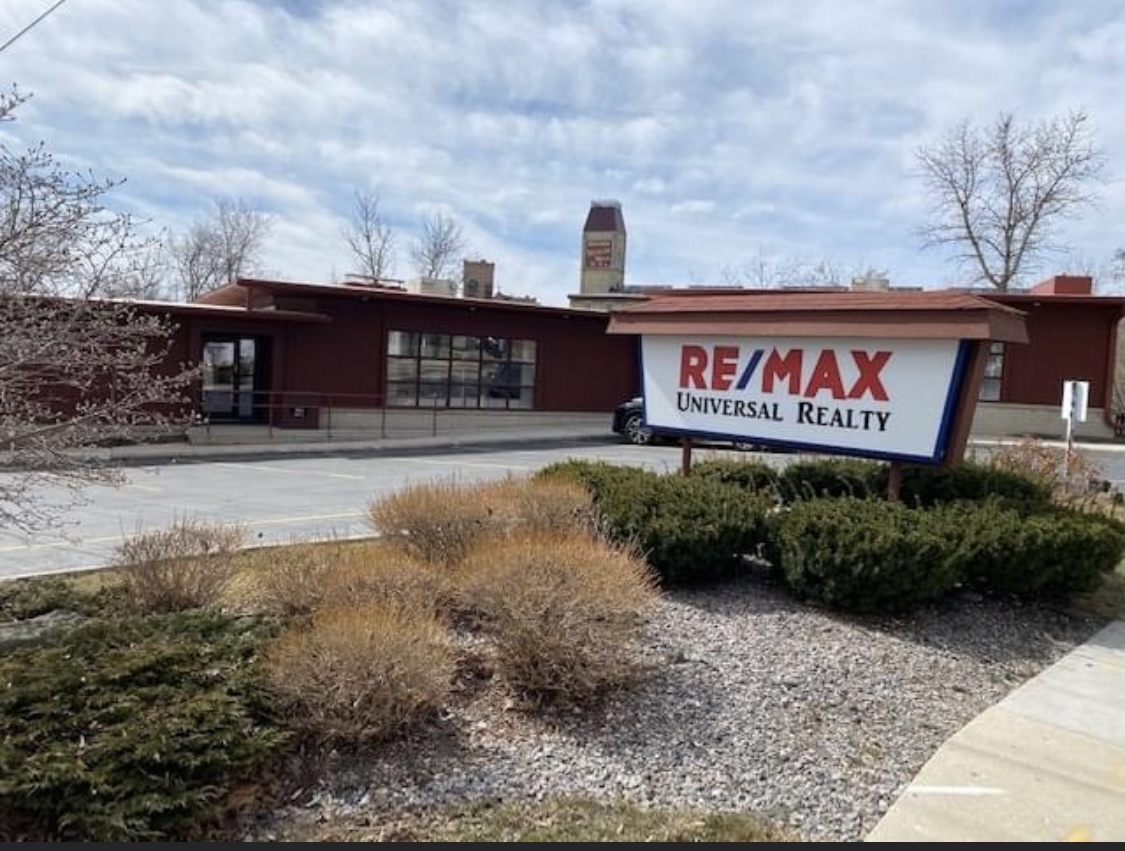 RE/MAX Universal Realty