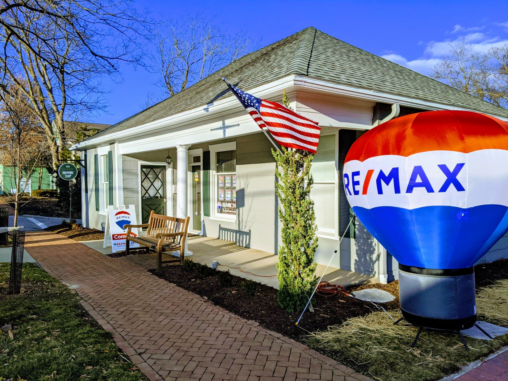 RE/MAX 24/7