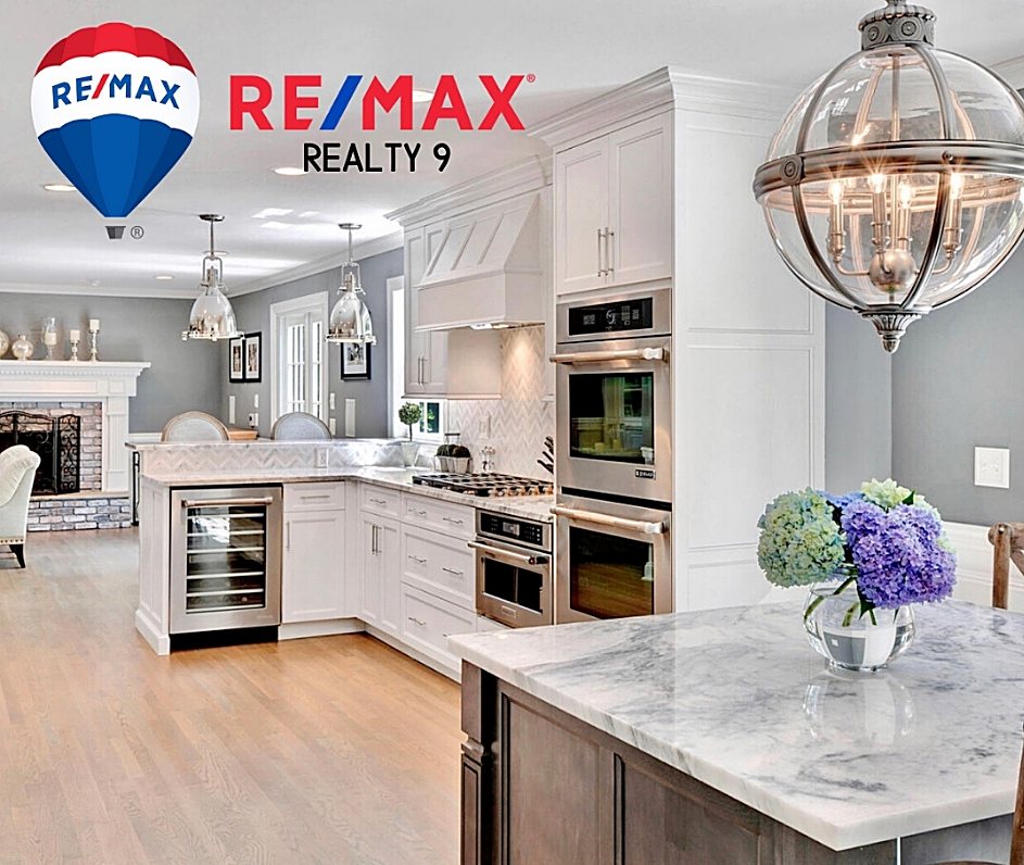 RE/MAX Realty 9