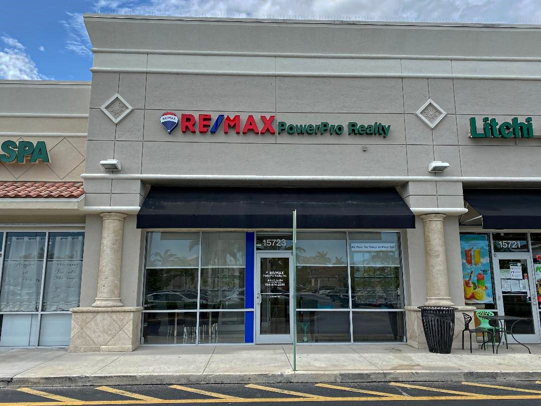 RE/MAX Powerpro Realty