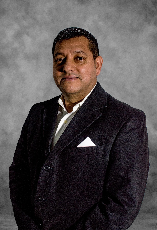 Gustavo undefined Vargas