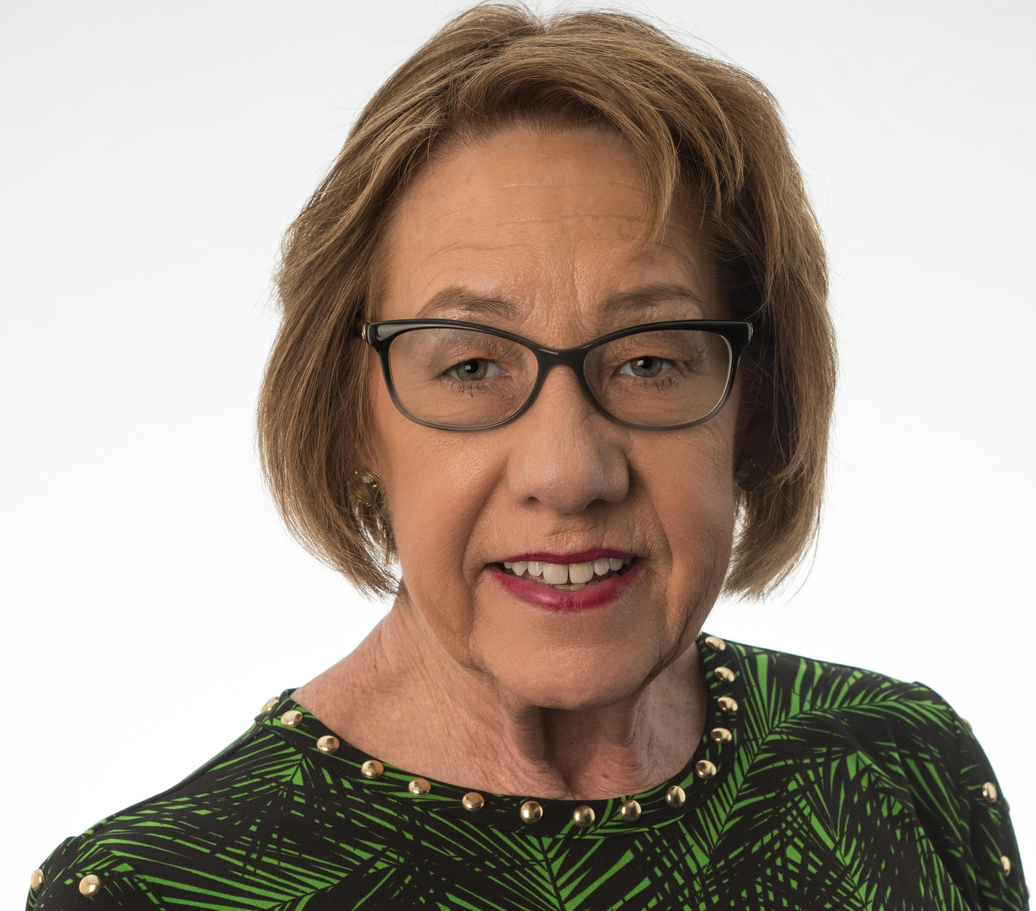 Valerie R. Szondy