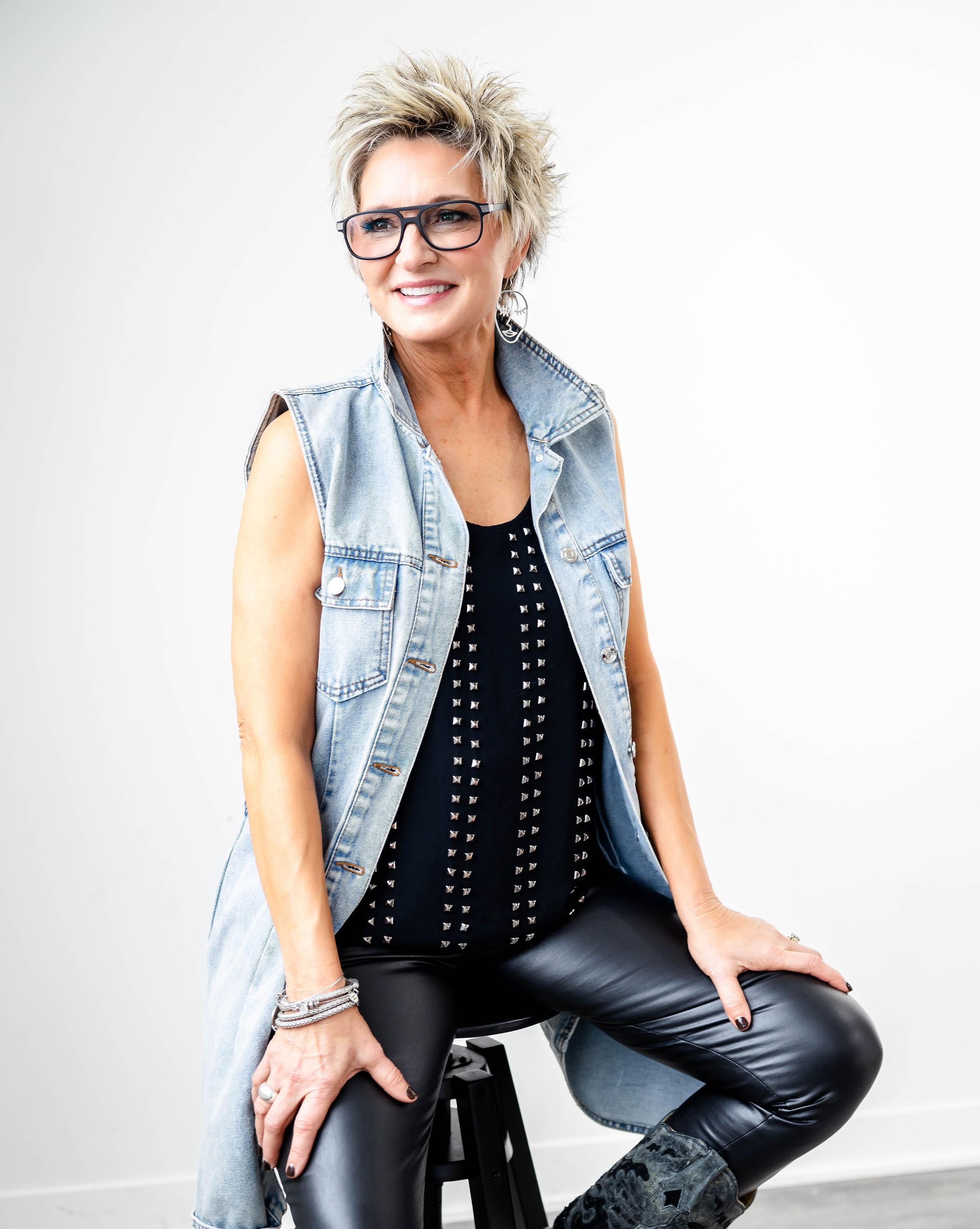 Tina T. Lockner