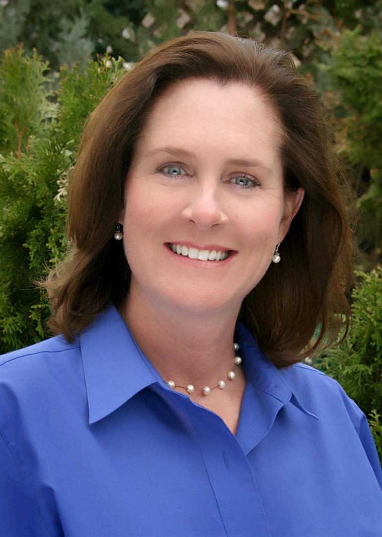 Julie Auch