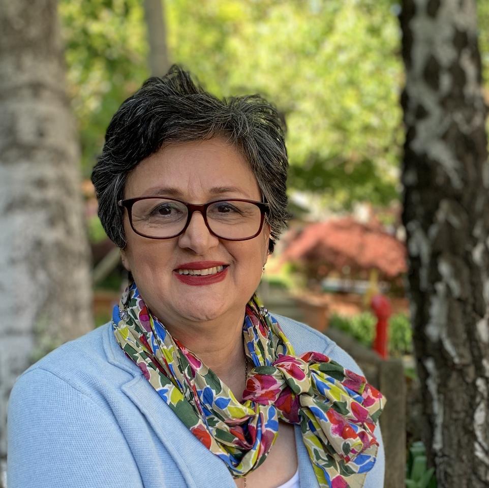 Dina Asnaashari