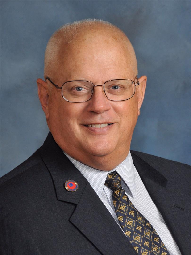 Stephen E Larson