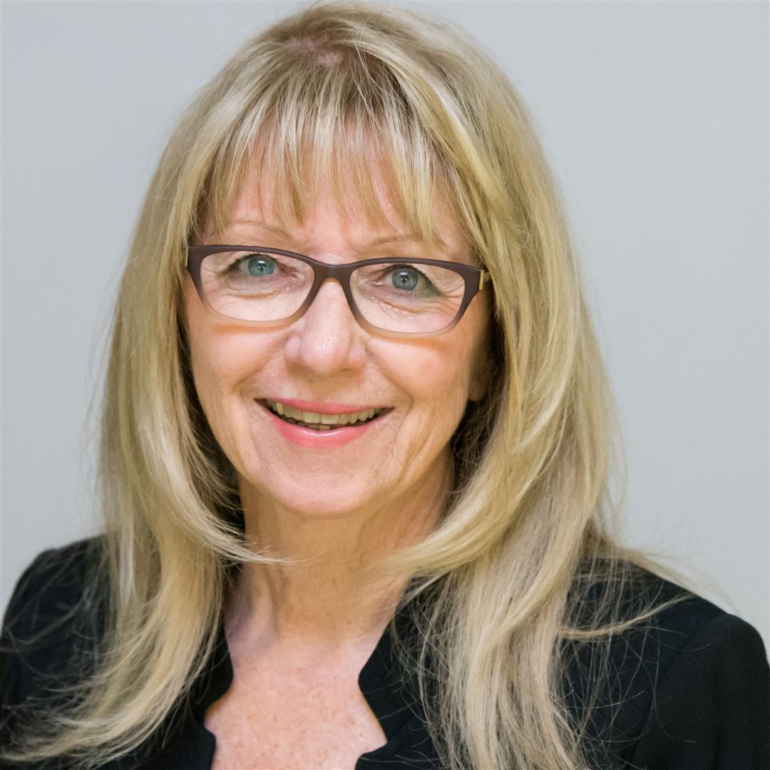Karen undefined Schmidt