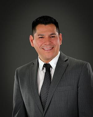 Luis undefined Reyes