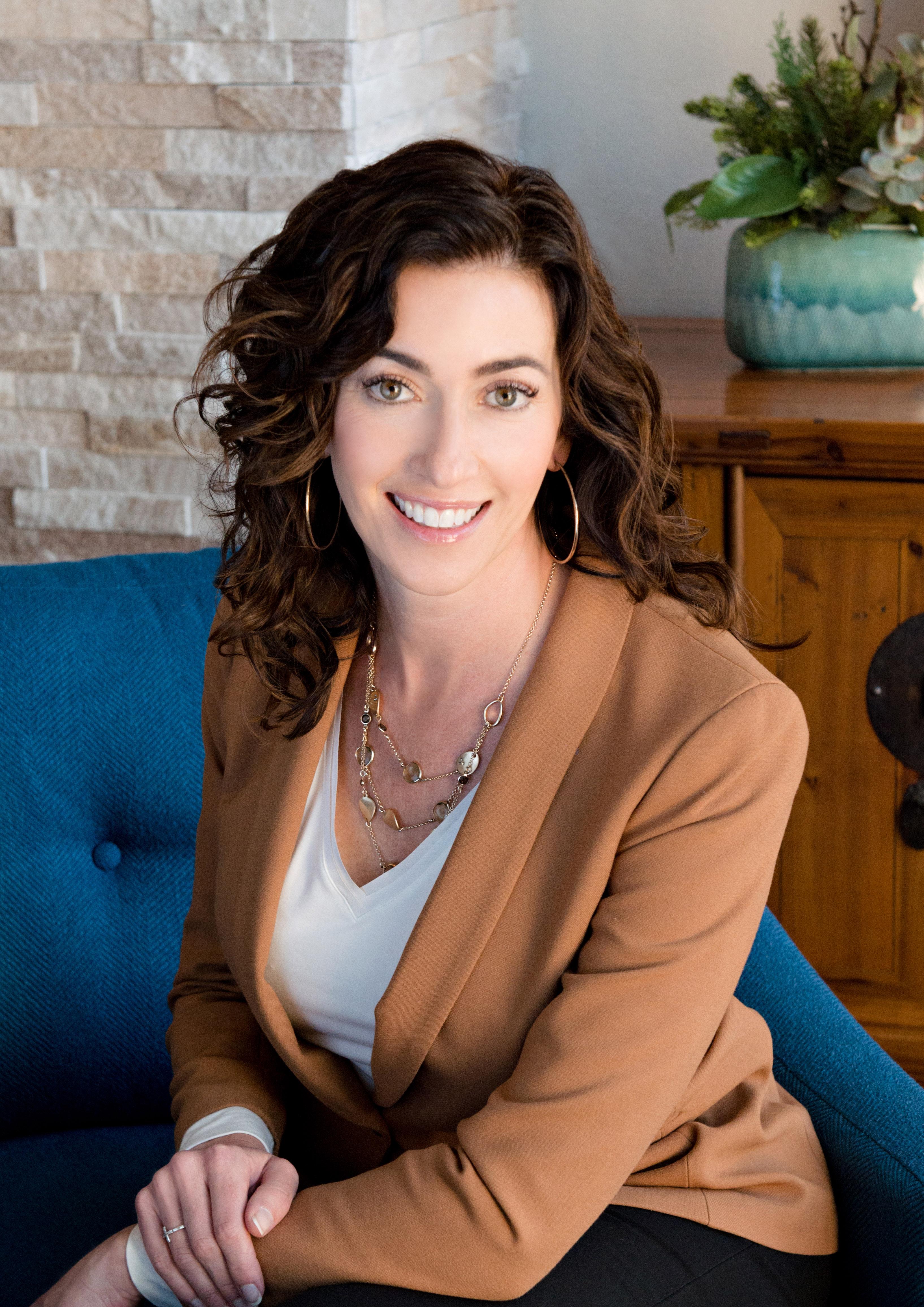 Lauren E. Stadjuhar