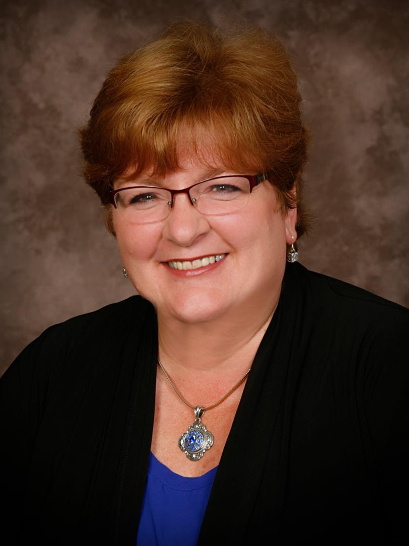Peggy J Kadow