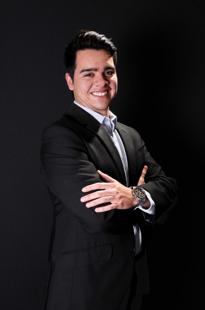 Alberto undefined Salcedo