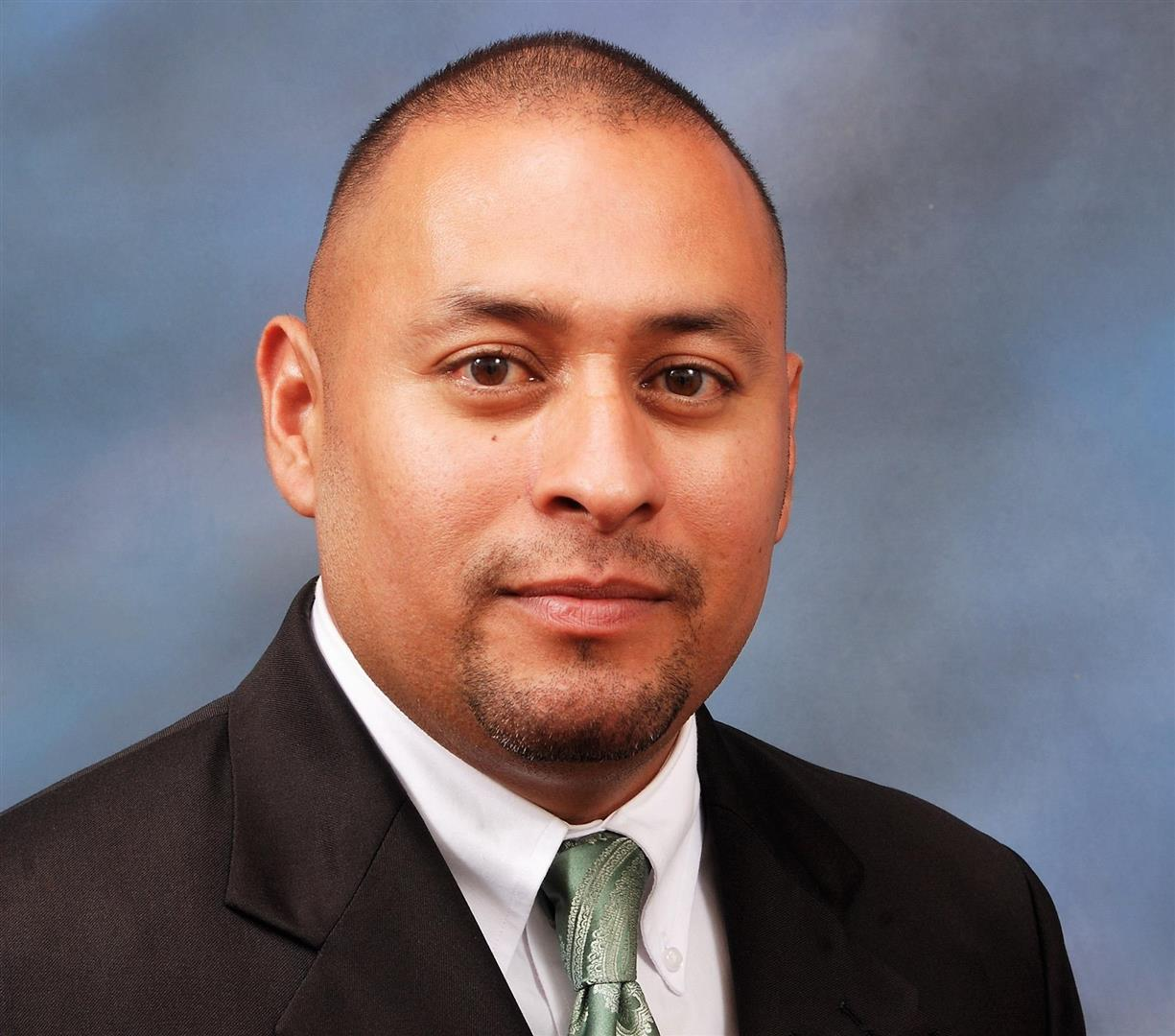 Nelson undefined Hernandez