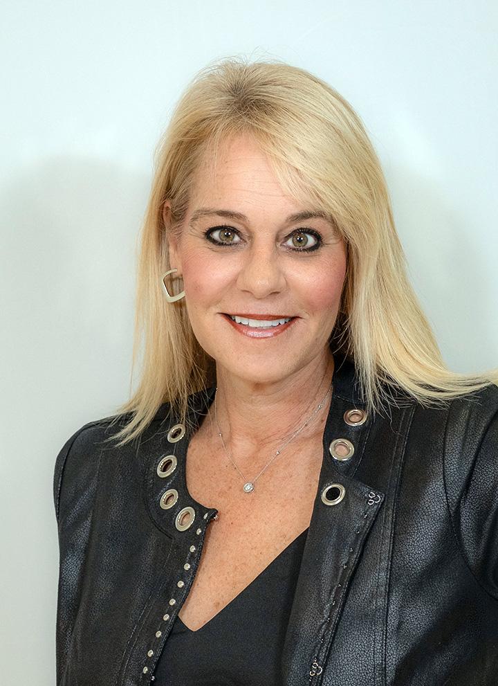 Dana Lynn undefined Christoff