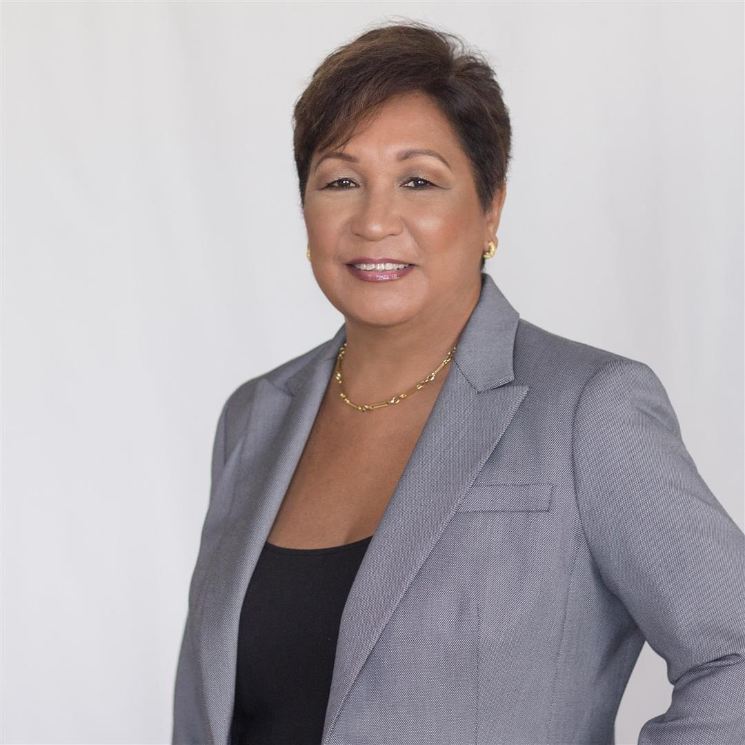 Sharon undefined Wong Hollis