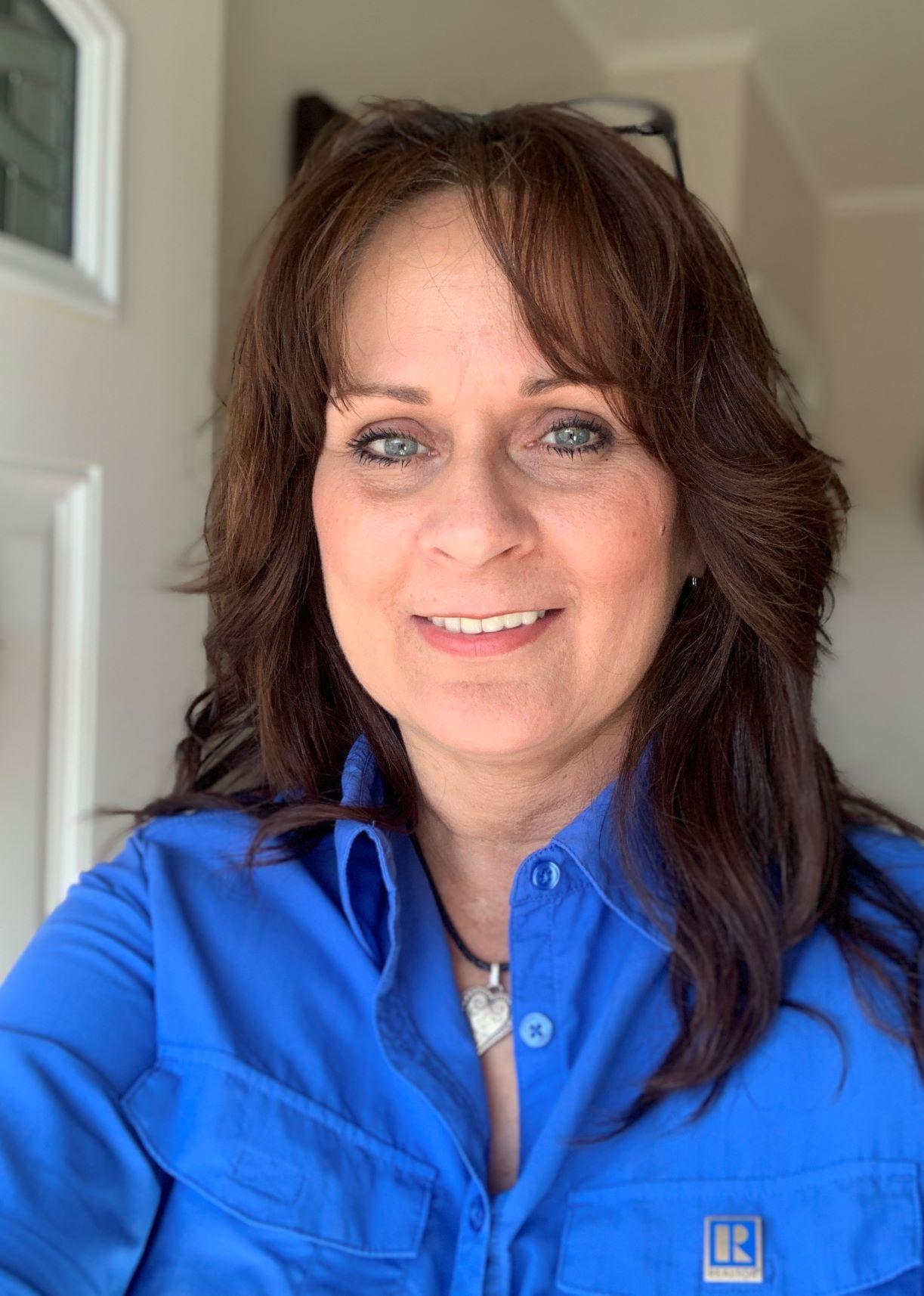 Angie Camlin
