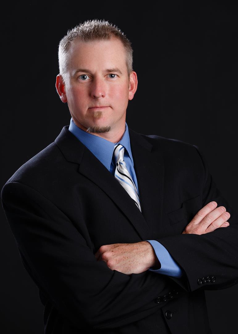 Dennis undefined Schultz Jr