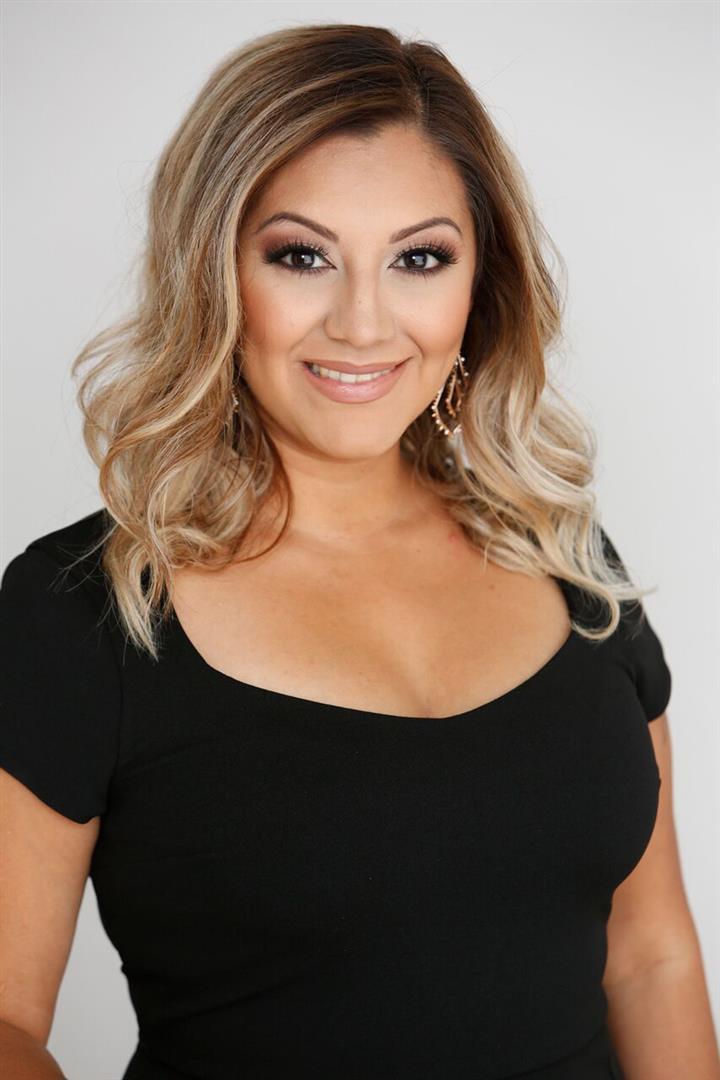 Vanessa undefined Hernandez