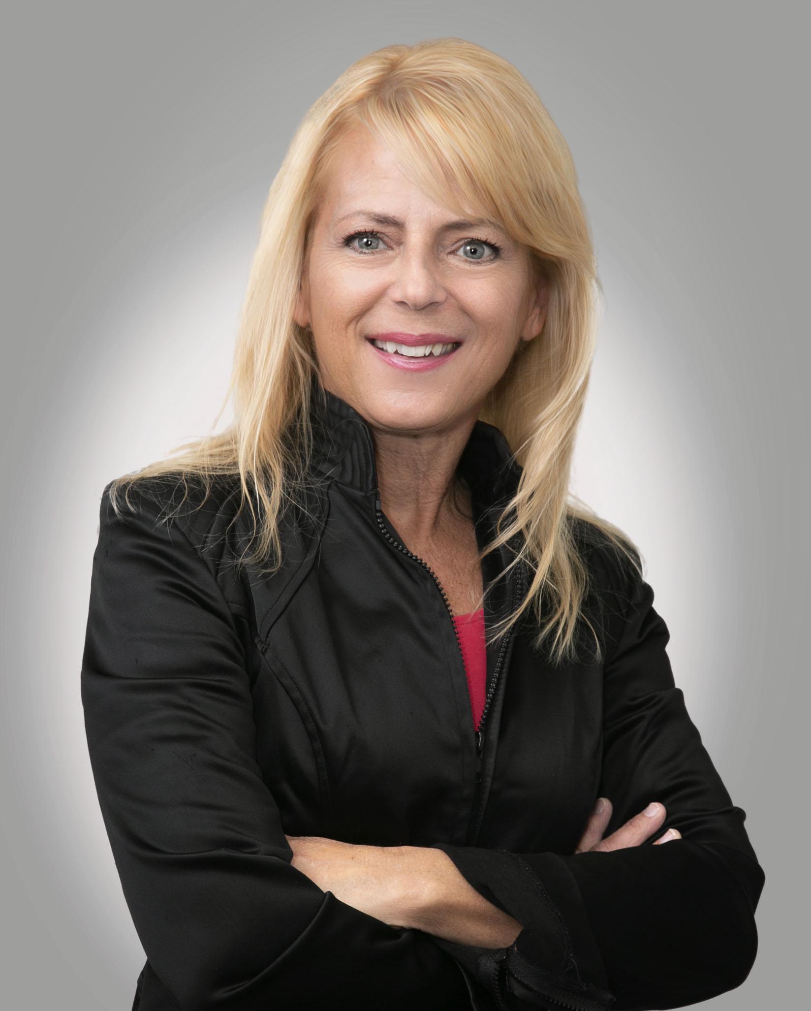 Janice undefined Yates
