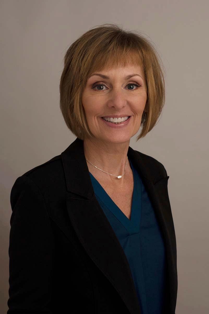 Tracy Holt