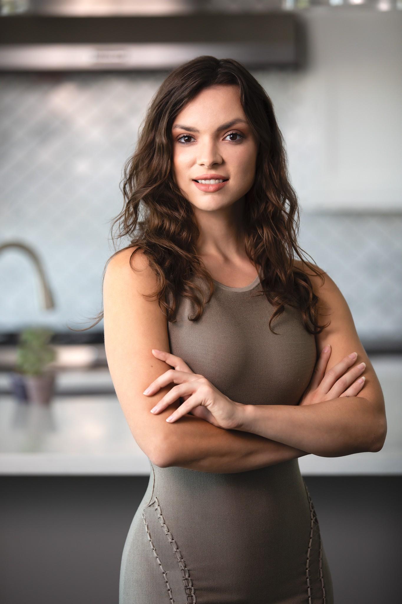 Nicole undefined Hardcastle